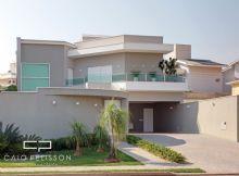 Casa Moderna Com Pé Direito Alto
