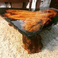 Mesa de centro em madeira e resina por rustico designers for Mesas de resina para jardin