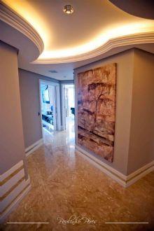 Paisagismo exuberante e design de interiores repleto de estilo!