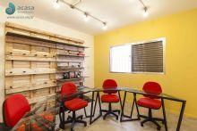 Sala de Aula com mobiliário desenhado especialmente para este projeto