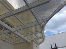 telhado de vidro orgânico em balanço sem tirantes em cobertura de duplex